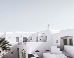 San Giorgio Hotel in Mykonos || A blend of rustic and modern Mediterranean flavors. Click image for more