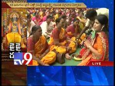 Koneru Humpy couple pray at Doondi Ganesha in Vijayawada