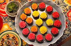 Luisa ama cores, flores e estampas. Por isso, uma festa inspirada na pintora Frida Kahlo era a escolha mais que perfeita. Assim, a Piccola Favola, responsá