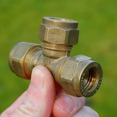 A Complete Guide to Using Plumbing Fittings for Joining PVC, PEX and Copper Pipe