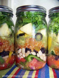 Garden Fiesta Mason Jar Salad made with homemade salsa, bell peppers, beans… Fiesta Salad, Vegetarian Recipes, Healthy Recipes, Healthy Foods, Food And Thought, Work Meals, Salad In A Jar, Fresh Salsa, Homemade Salsa