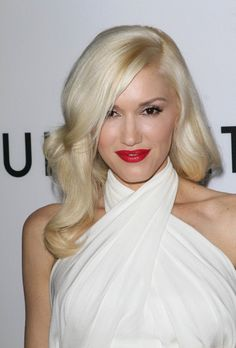 Gwen's blonde is always a stunner