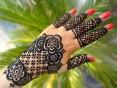 Apply latest gulf easy simple henna mehndi designs for hands for beginners for eid,diwali Latest Henna Designs, Indian Henna Designs, Stylish Mehndi Designs, Bridal Henna Designs, Henna Designs Easy, Beautiful Henna Designs, Arabic Mehndi Designs, Mehndi Designs For Hands, Henna Tattoo Designs