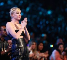 Miley Cyrus's acceptance speech for video of the year was so beautiful, it'll move you to tears. #VMAs