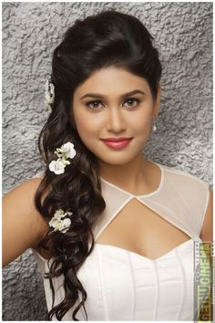 Actress Manisha Yadav in Sexy Dress - Hot HD Photoshoot Pics 2015 Beautiful Girl Indian, Beautiful Indian Actress, Beauty Full Girl, Beauty Women, Indian Girls Images, Photoshoot Pics, Glamour Photo, Cute Girl Pic, Beautiful Bollywood Actress