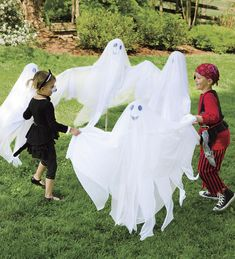 HearthSong Halloween Garden Ghosts, Set of 4 Spooky Halloween Costumes, Halloween Decorations For Kids, Ghost Costumes, Spooky Decor, Halloween Kids, Happy Halloween, Costumes Kids, Halloween Party, Yard Decorations