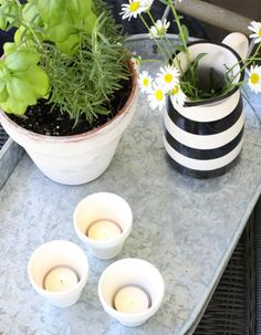 love of home Using Pots In Summer Decor http://loveofhome.net/using-pots-summer-decorating/ via bHome https://bhome.us