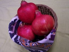 A few ideas for eating and enjoying Pomegranates.