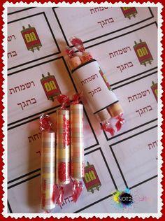 """""""Winkie Torahs!""""   Simchat Torah or Upsherin"""