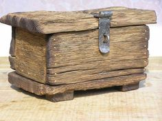 Lovely rustic wooden box.