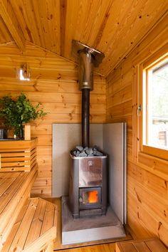 Contemporary Garden Rooms, Diy Log Cabin, House Heating, Sauna Design, Backyard Buildings, House Design, Wood Stove Installation, Outdoor Baths, Sauna House