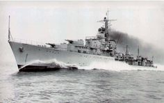 HMS Agincourt (D86) at high speed. She was could almost reach 36 knots (66 Km/h).[2137x1342]