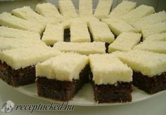 Érdekel a receptje? Hungarian Desserts, Hungarian Recipes, No Bake Desserts, Dessert Recipes, Sweet Cookies, Yummy Cakes, Coco, Food To Make, Food And Drink