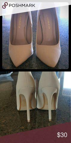 Nude high heels Nude high heels been worn once Shoes Heels