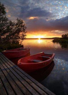 Sunset at Lake Myvatn by Gernot Posselt - Such a pretty end of summer photo. Beautiful World, Beautiful Places, Landscape Photography, Nature Photography, Cool Pictures, Beautiful Pictures, Seen, Beautiful Sunrise, Beautiful Morning