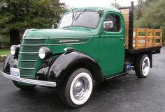 1938 International Truck. Would love to buy a truck like this for my father someday.