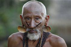 """Os homens """"felinos"""" do Vale do Javari, como os matises são conhecidos, foram contatados em 1976 pelo sertanista Pedro Coelho, nas margens do Rio Ituí."""