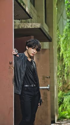 """""""BTS JK/ Jeon Jungkook as the lead of an action movie, which no one knew that we needed. Jung Kook, Bts Jungkook, Maknae Of Bts, Foto Bts, Daegu, Film D'action, Les Bts, Bts Lockscreen, Bts Pictures"""