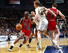 Michael Jordan wearing the Air Jordan 10