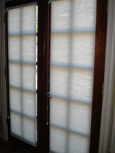 54 Ideas French Door Blinds Wood Window Coverings For 2019 French Door Window Coverings, French Door Windows, Door Window Treatments, Windows And Doors, Sidelight Windows, Shades For French Doors, Blinds For French Doors, Installing French Doors, Front Door Curtains