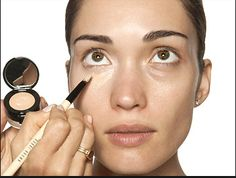 """MAKEUP TIP: Apply concealer using dabbing motions in a """"V"""" shape under your eyes, then buff inwards. This melts the concealer and helps it blend so that it effectively covers dark circles while still looking natural. Covering Dark Circles, Dark Circles Under Eyes, Eye Circles, Tips And Tricks, Makeup Tricks, Bobbi Brown, Beauty Care, Beauty Hacks, Beauty Ideas"""