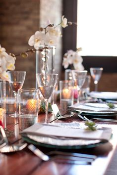 This mixture of textures in the table settings is so fantastic!  Style Me Pretty | #572902