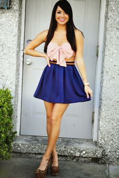 Zeliha's Blog: Pink Bow Top With Royal Blue Pleated Skirt.   I a also really like this because of the bow I love bows. Bows before bros