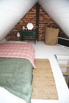 tiny loft conversion & artemis russell Source by pamlikes The post tiny loft conversion Small Loft Spaces, Small Attic Room, Small Attics, Attic Loft, Loft Room, Attic Spaces, Bedroom Loft, Loft Conversion Bedroom, Attic Conversion