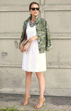 White dress + camo jacket - love this! Camo Fashion, Fashion Models, Womens Fashion, Fashion Trends, Outfit Primavera, Penny Pincher Fashion, Camo Jacket, Camouflage Jacket, Shirt Jacket