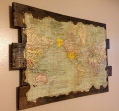 Antique World Map on Reclaimed Wood par MyBelovedReclaimed sur Etsy