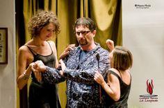 Foto © Mauro Phoki #nientesessosiamoinglesi #compagnialalampada #teatro #spettacolo #commedia #commediabrillante #Marriott #Foot