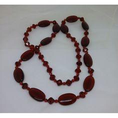 2dca0582687d Vintage retro smycke bijouteri halsband långt med röda klara plast-pärlor.  Till salu i
