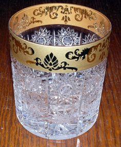 Ručně broušené skleničky z olovnatého křišťálu min. 24 % PbO, luxusně zdobené zlatem
