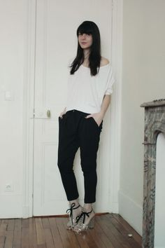 harem pant and white t-shirt