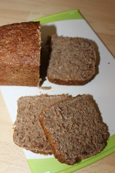 Base-rich bread enjoyment with sprouted cereals Easy Healthy Recipes, Whole Food Recipes, Vegan Recipes, Easy Meals, Cooking Recipes, Paleo Life, The Breakfast Club, Banana Recipes, Bread Baking