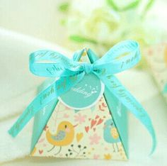 Wedding Favors and Gift Box Cartoon Bird Pyramid Candy Box For Wedding Souvenirs To Guests