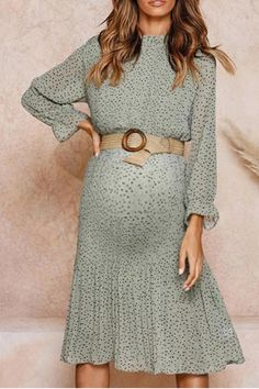 The maternity fashion floral lace chiffon dress with long sleeve and belt is so casual and you may like it. #maternitydress #maternitydressescasual #pregnancystyle #pregnancystylesummer #pregnancyoutfits #summerpregnancyoutfits