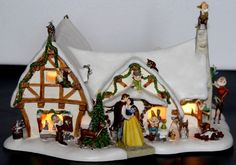 DISNEY Snow White and the Seven Dwarfs Lighted Cottage Christmas DANBURY MINT…
