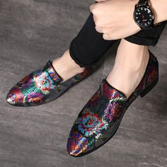 Men Dress Shoes Handmade Exquisite Embroidery Leather Elegant Formal S – Agodeal Grunge Style, Soft Grunge, Men's Wedding Shoes, Wedding Men, Wedding Dresses, Dream Wedding, Mens Slip On Loafers, Loafers Men, Vans Authentic