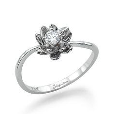 Flower Engagement Ring14k White Gold RingDiamond por gispandiamonds, $600.00