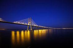 Ponte Vasco da Gama [Rio Tejo] - Lisboa Lisbon, Bridge, Places, Destinations, Beauty, Lisbon Portugal, Cities, Tejidos, Lugares