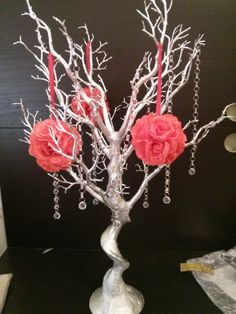 These centerpieces will be an elegant addition to your event - whether it be a wedding, baby shower, or a dinner party. Kit includes:  (1) Manzanita