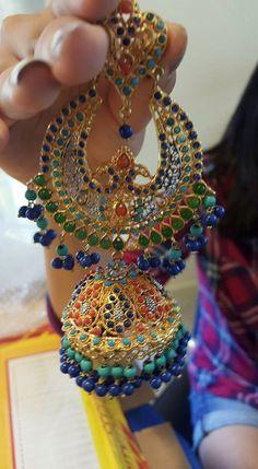 Beautiful party wear Indian Jewelry Earrings, Indian Jewelry Sets, Indian Accessories, India Jewelry, Bridal Jewelry, Jewelery, Traditional Earrings, Bollywood Jewelry, Jewelry Patterns
