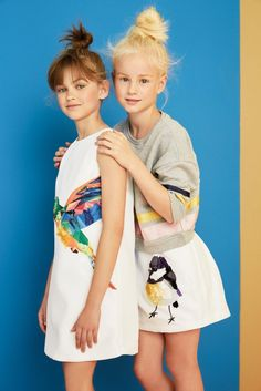 Shop new season MSGM kids collection, from girls dresses and printed skirts to tops and shorts in standout colours. Girl Fashion Style, Tween Fashion, Little Girl Fashion, Luxury Kids Clothes, Msgm Kids, Shooting Photo, Little Fashionista, Summer Kids, Spring Summer