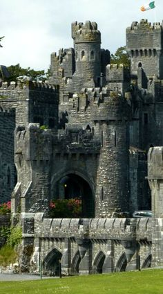 In Ashford Castle, Scotland. In Ashford Castle, Scotland. Beautiful Castles, Beautiful Buildings, Beautiful Places, Chateau Medieval, Medieval Castle, Medieval Fortress, Places To Travel, Places To See, Travel Destinations