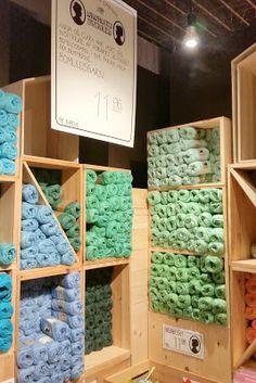 Juletræer - DIY - kreativ med børn - Home by Bianca Christmas Deco, Christmas Crafts, Crafts For Kids, December, Craft Ideas, Decor, Universe, Craft, Christmas Decor