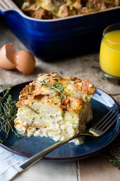 You need this savory bread pudding on the breakfast table at every holiday! This easy breakfast casserole is filled with ham and cheese. It's great for feeding a large group of people. Make it as a breakfast for dinner too! Recipe on The Worktop. Best Egg Recipes, Brunch Recipes, Baking Recipes, Breakfast Recipes, Brunch Ideas, Breakfast Ideas, Breakfast For A Crowd, Breakfast Casserole Easy, Savory Breakfast