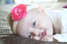 Cute baby headbands, they don't look too hard to make. And I know someone with a baby girl who would look adorable!