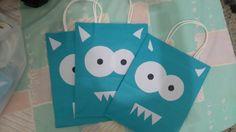 Las bolsas de regalo decoradas.