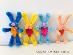 Handicrafts with pipe cleaners for Easter - 20 creative handicraft ideas for children - Pipe cleaner rabbits tinker for Easter - Pipe Cleaner Art, Pipe Cleaner Animals, Pipe Cleaners, Bunny Crafts, Easter Crafts, Spring Crafts, Holiday Crafts, Diy Crafts For Kids, Arts And Crafts